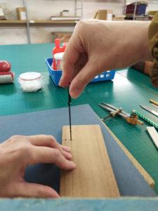 Plat en bois pour reliure arménienne - Atelier de reliure